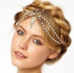 🌞🆕️Boho Faux white pearls with gold head piece